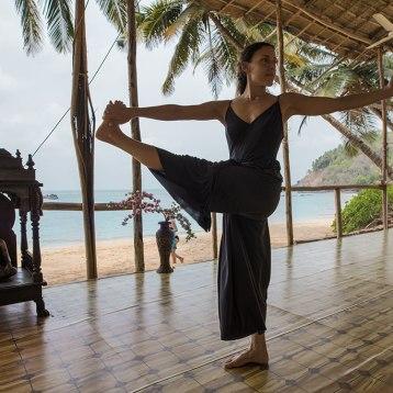 Ana-Chidzoy-yoga-(5)