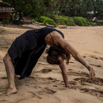 Ana-Chidzoy-yoga-(9)